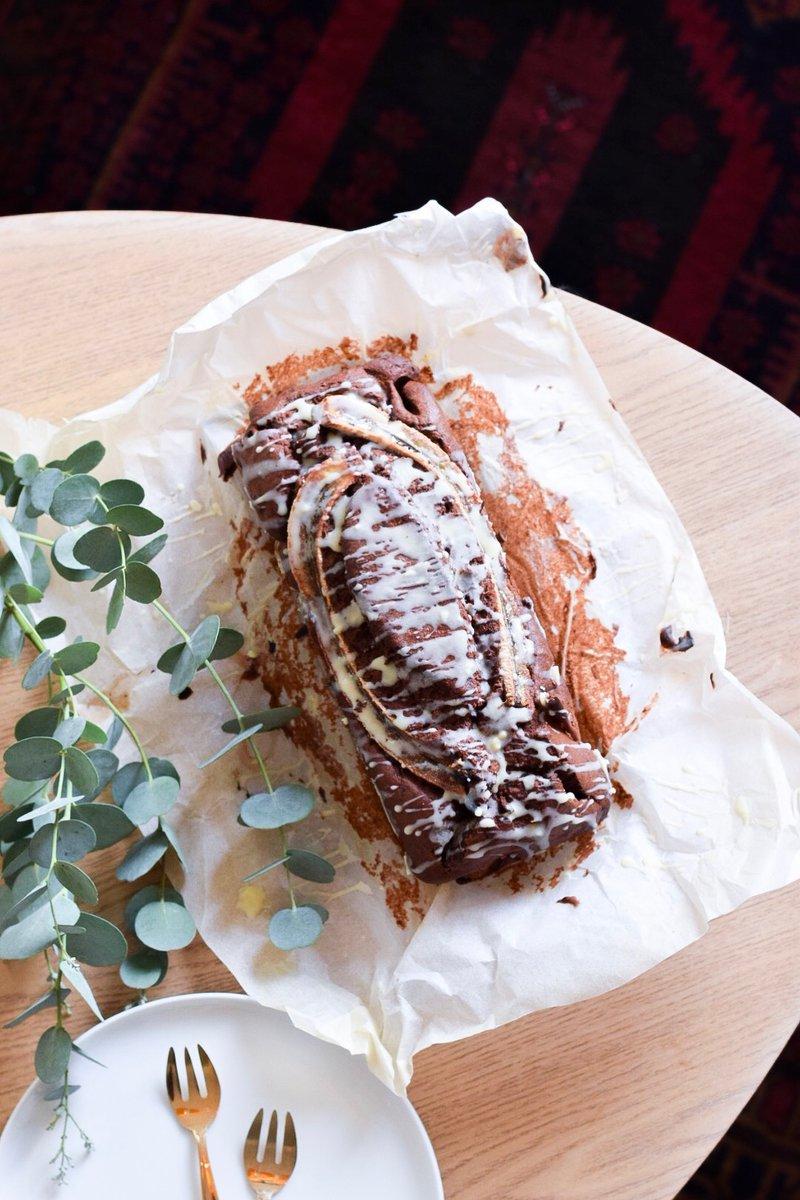"""Parce qu'on est dimanche et que ça faisait longtemps ! NEW RECIPE : """"Banana Bread aux 3 chocolats"""" https://t.co/6qcF8cfRTk #food #recipe #bananabread #chocolate https://t.co/Tm0BSWxWmj"""