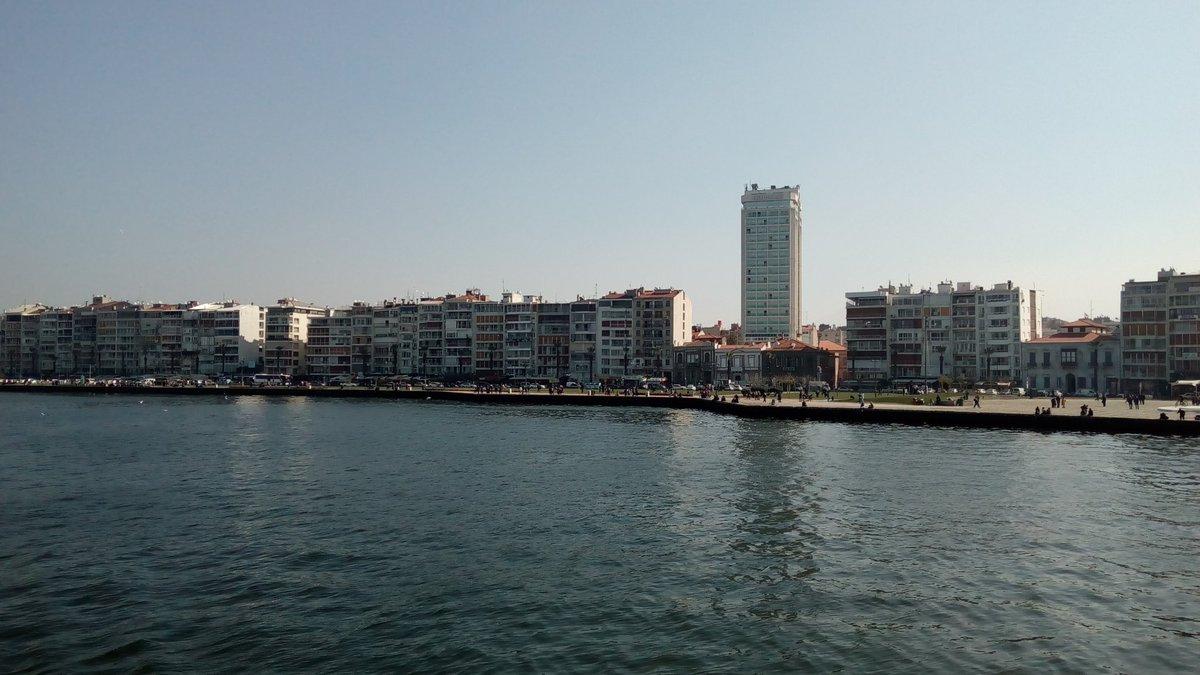 Umut ve sevgiyle dolu güzel bir gün olsun #pazar  Günaydın #mutlupazarlar #izmir #izmirlove pic.twitter.com/aeyc7iAhQN