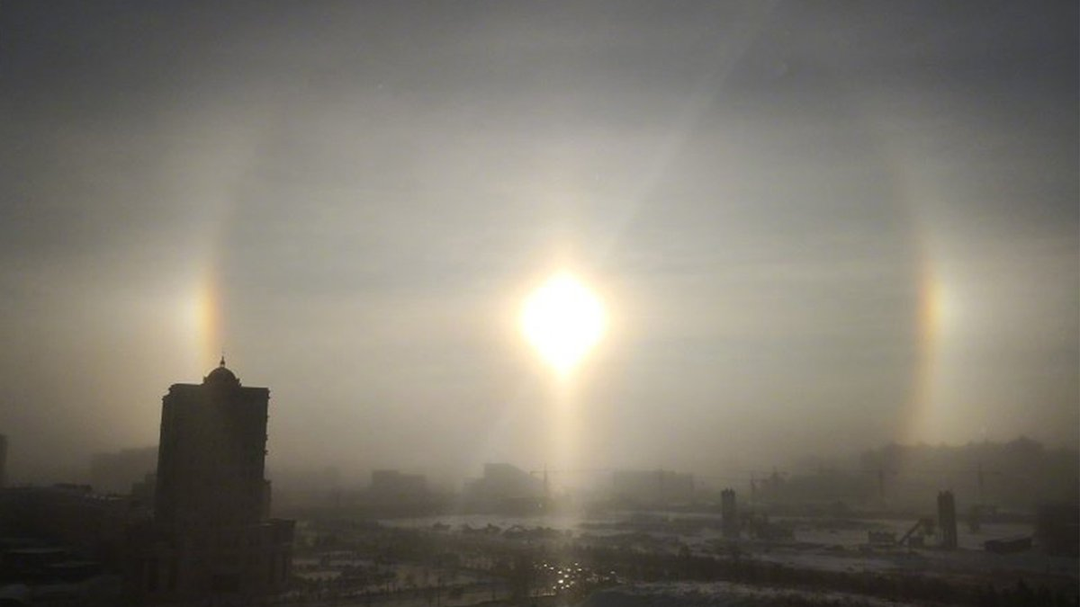 """Five suns"" appear in China's Inner Mongolia🌞🌞🌞🌞🌞"