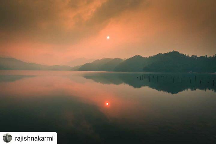 #Repost @rajishnakarmi •  •  •  •  • Be a reflection of what you would like to receive.  #lifethoughts #sunrise #lifequotes #picoftheday #photowalk #photowalkersnp #deepquotes #wanderlust #explorenepal #iamnepal #traveldeep #travelholic #travelph… https://ift.tt/2ffZD58
