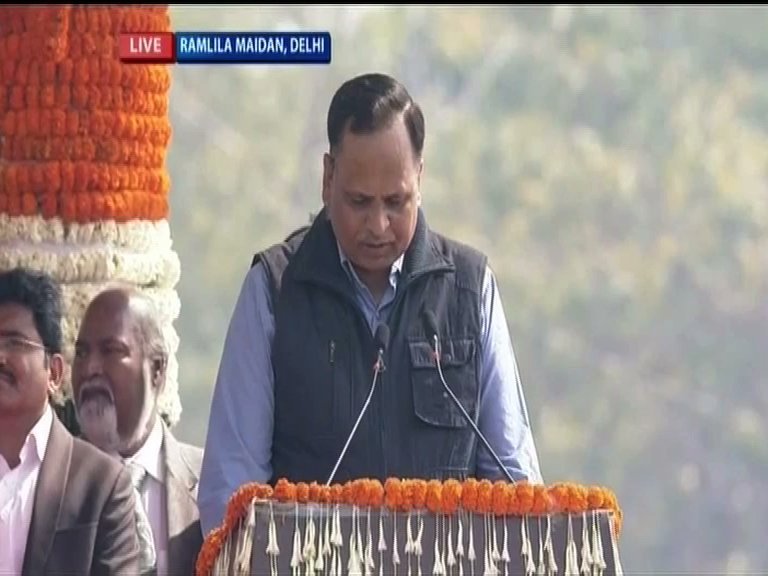 दिल्ली सरकार में माननीय .@SatyendarJain जी को पुनः मंत्री पद की शपथ लेने पर हार्दिक बधाई। 💐💐💐