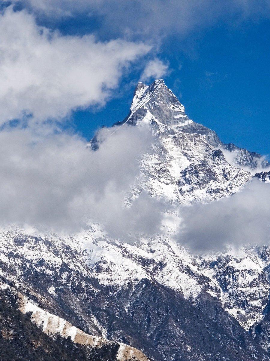 बादलको घुम्टोमा सजिएको माछापुच्छ्रे हिमाल ❤️⛰ #ExploreNepal   pic. @pkrl_kushal