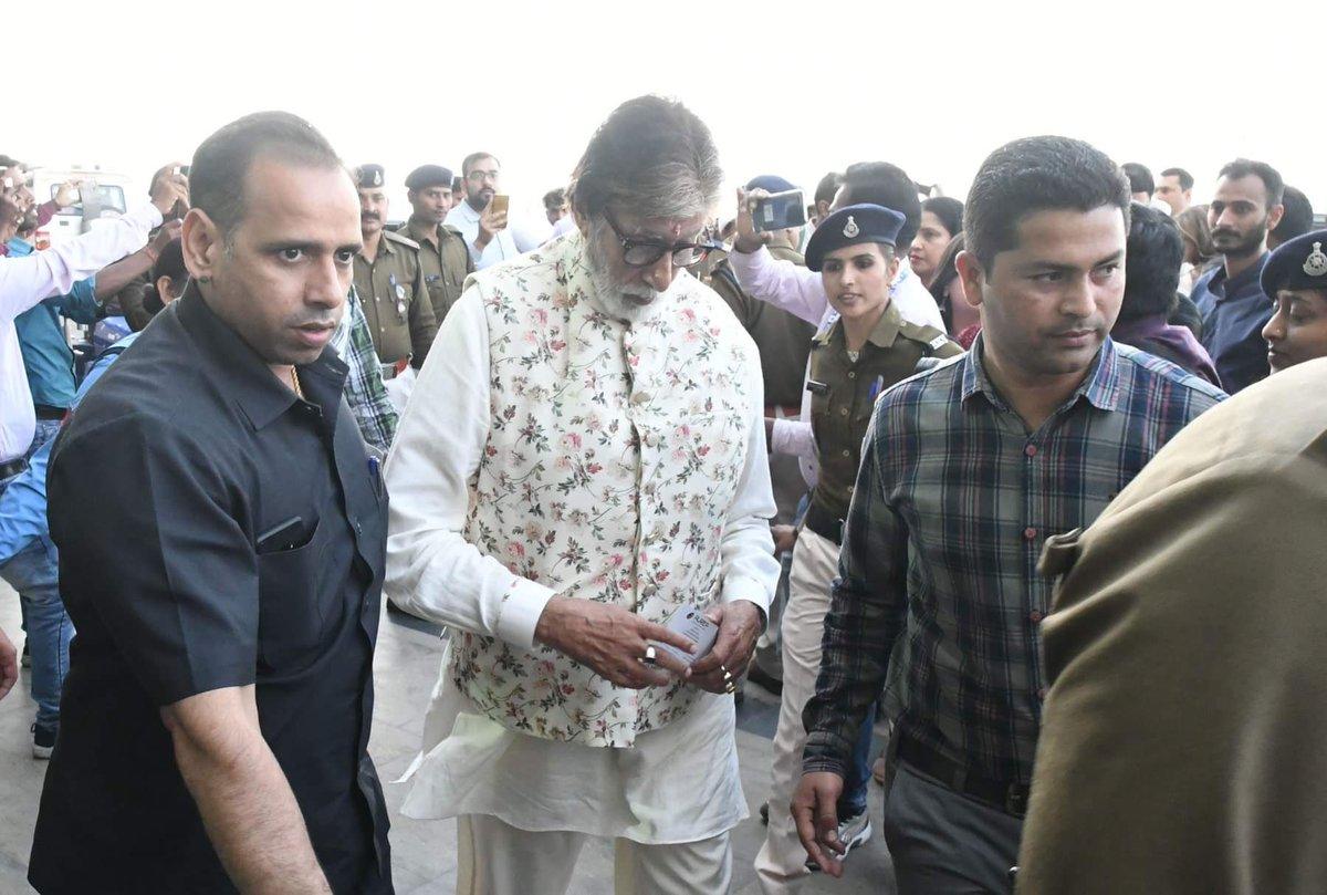 @SrBachchan @juniorbachchan #AishwaryaRaiBachchan and Aaradhya clicked in Bhopal yesterday