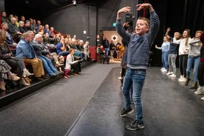 Meedoen met Kindertheater in Belle en het Beest? Eerst een goede auditie neerzetten https://www.gelderlander.nl/lingewaard/meedoen-met-kindertheater-in-belle-en-het-beest-eerst-een-goede-auditie-neerzetten~a87653fa/…pic.twitter.com/btC3jyvEaJ