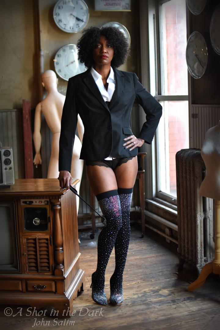 @salsera0127 has forgotten more about discipline than most of you remember #dominant #badass #crop #blazer #whiteshirt #curlyhair #heels #thighboots #legsfordays #womanofcolor #picofthedaypic.twitter.com/kcKtPf9zaE