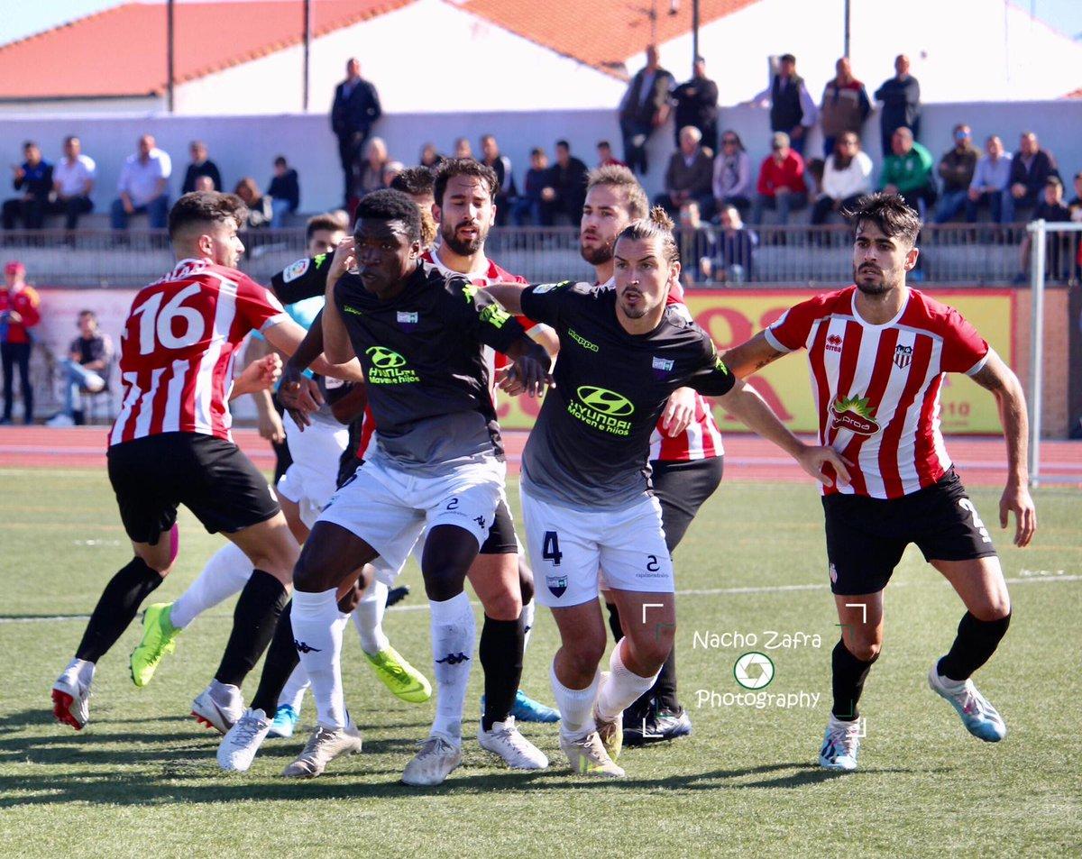 Final final final final final final VAMOS @cdazuaga 0 Extremadura B 1 💪💪💪🔵🔴  #VamosFilial #GrandeEquipo #TerceraDivison