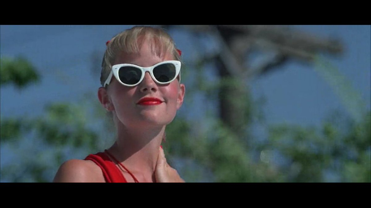 The last thing @MaxBjaffe  is gonna see before he dies. (Episode 3 • The Sandlot with Max Bank Jaffe)  Listen here: http://plinkhq.com/i/1494601169 #90s #90skids #TheSandlot #yourekillingmesmalls #wendypeffercorn #90smovies #podcastpic.twitter.com/6DBrZdEVkv