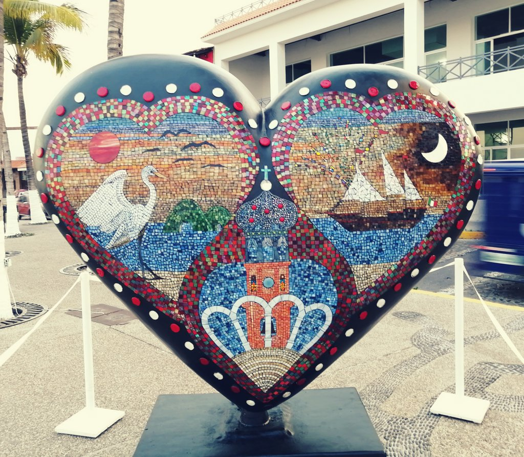 Corazón Vallartense #PuertoVallarta #SanValentinDay Dia del Amor y la Amistad #FelizDiadeSanValentin #FelizDiaDeLosEnamorados Amistad #FelizDiaDelAmorYLaAmistad