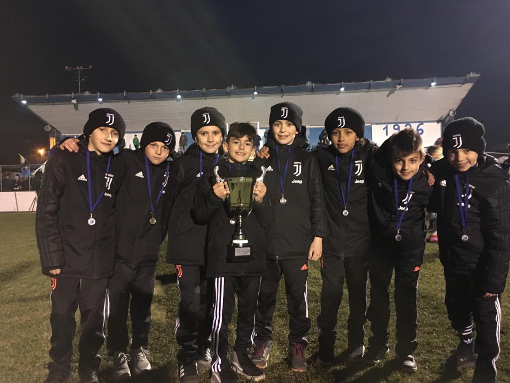 👏 #Under9  🥇 al Torneo Alpignano in Maschera   Finale: Juve - Torino 4-3 ⚽ Laruccia ⚽ Mobilia ⚽ Piraneo ⚽ Nobile  🏆📸  #JuventusYouth