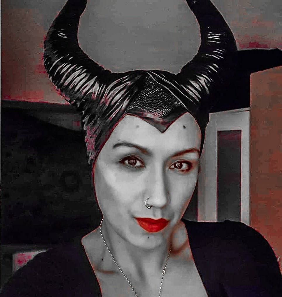 Watching #Maleficent2 now  #movies evening  pic.twitter.com/ryoZJzE3AI