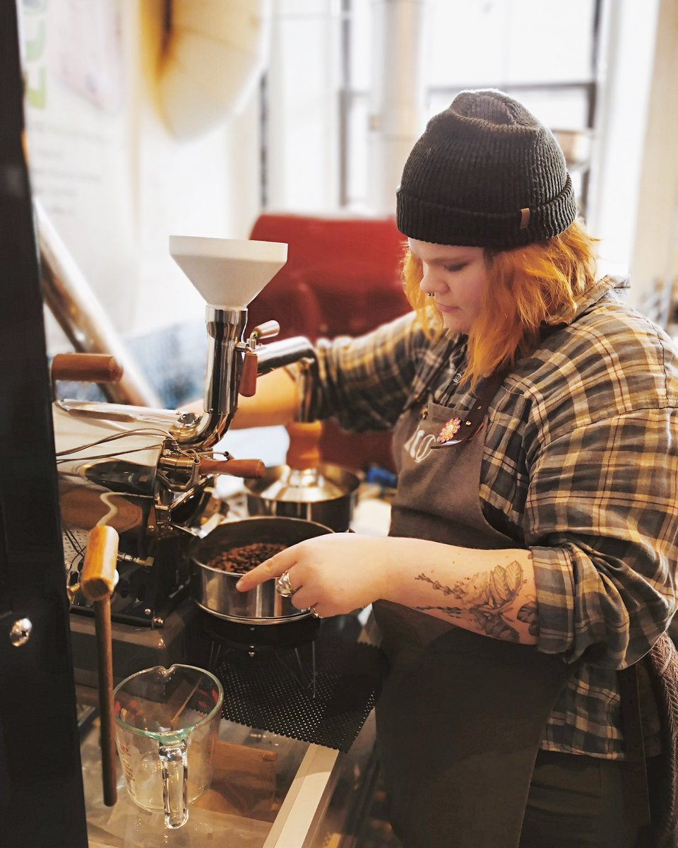 Sylvia learning the ropes of sample roasting! • • • #ecocafesj #stjacobsvillage #fairtrade #freshcoffee #locallyroasted #stjacobs #coffee #cafe #kwawesome #shoplocal #roastery #freepour  #latteart #coffeeshopvibes #canada #explorewr #explorecanada #visitcanada  #discoveron pic.twitter.com/RjBA4LjGRT