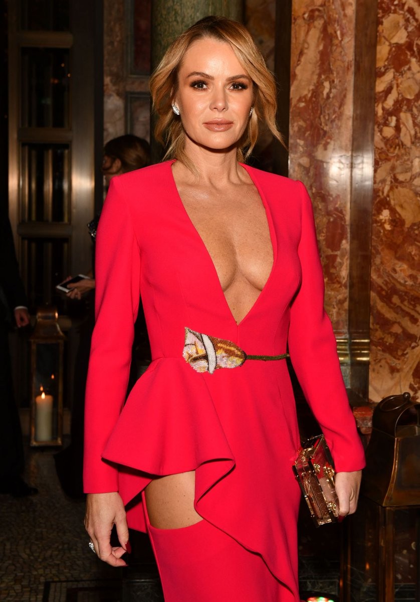 """HotBeauties on Twitter: """"That classic Amanda Holden cleavage...… """""""