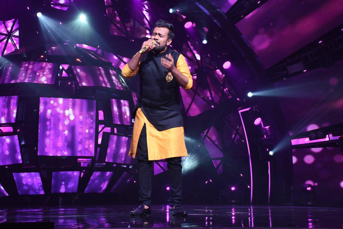 Tonight performance#indianidol #indianidol11 #indianidol2019 #nehakakkar #vishaldadlani #himeshreshammiya