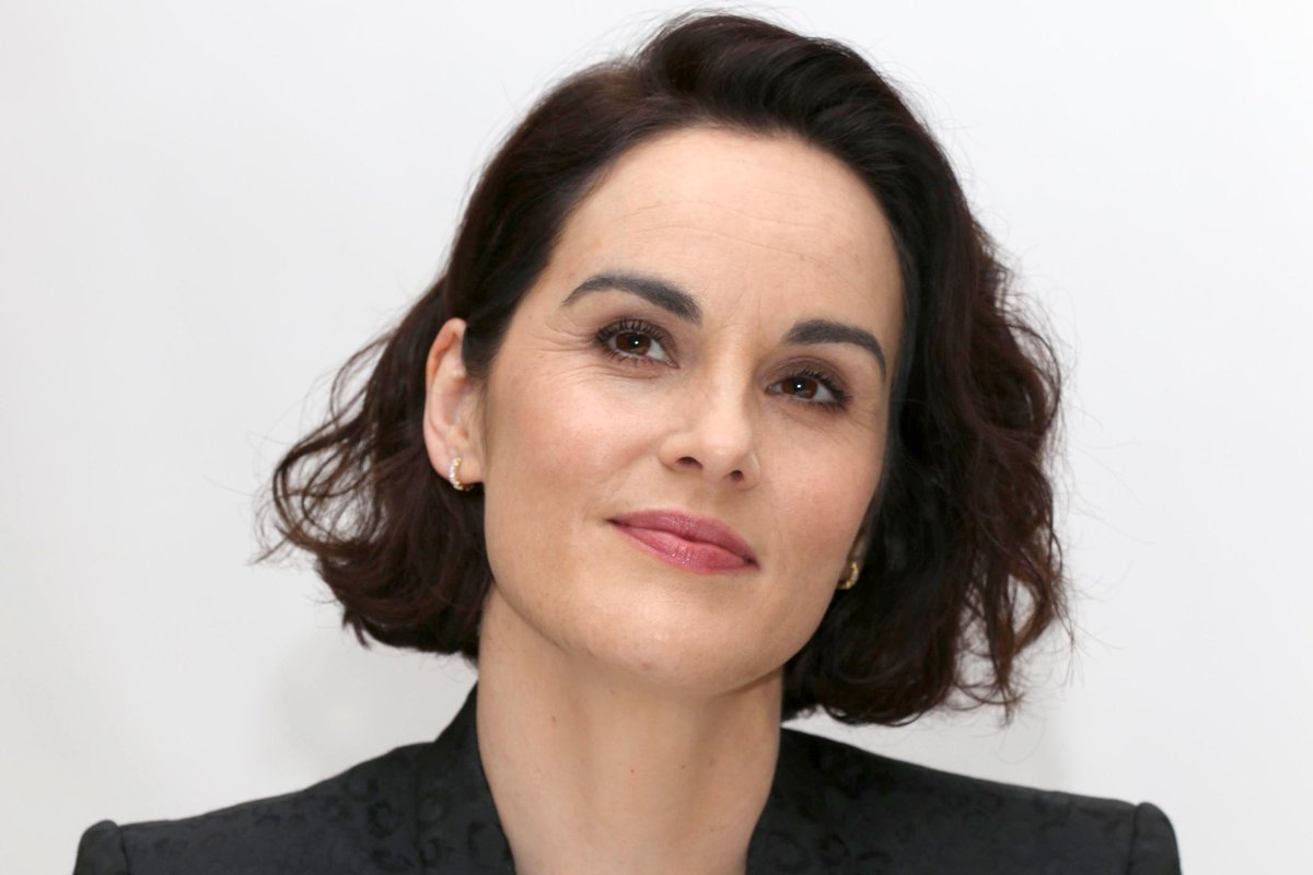 #News (+09) pics of #MichelleDockery at the Press Conference for #TheGentlemen in New York, on January 12,2020.   http://michelle-dockery.us/photos/thumbnails.php?album=788 …pic.twitter.com/wKRbzWKIoI