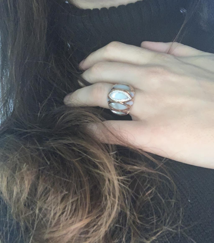 Ecco le mie mani, se vuoi posare il cuore.   #cuore #crivelli #passione #amore #maestroorafo #fiducia #jewelry #jewelrylover #jewelryaddict #jewelryblogger #storytelling #familyaffair #madeinitaly #valenza #noilavoriamoconilcuore