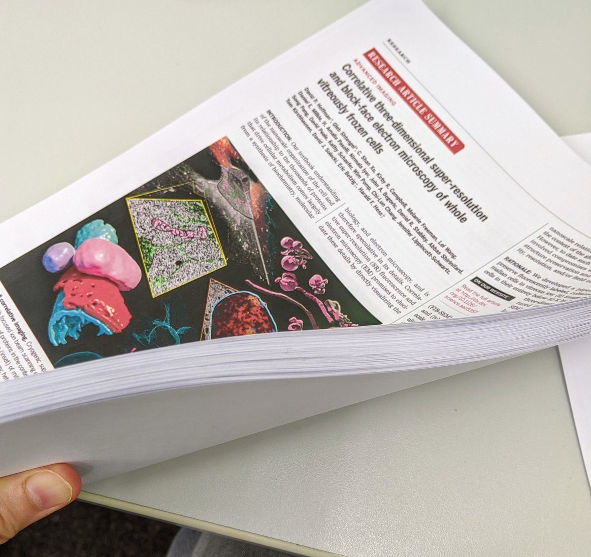 This is how thick a hard copy of a #Science paper with it's supplimentary file. pic.twitter.com/xVCos0RbMR