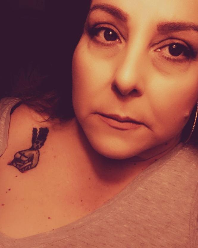 """When I am quiet my mind is in complete chaos"". ~Lorelei  #pinupgrandma #pinupqueen #pinupgirl #pinup #queenofspades #faithful #transformation #transforming #goddess #strongwomen #warrior #inked #inkedgirl #WonderWomanpic.twitter.com/bdTtBVL7ss"