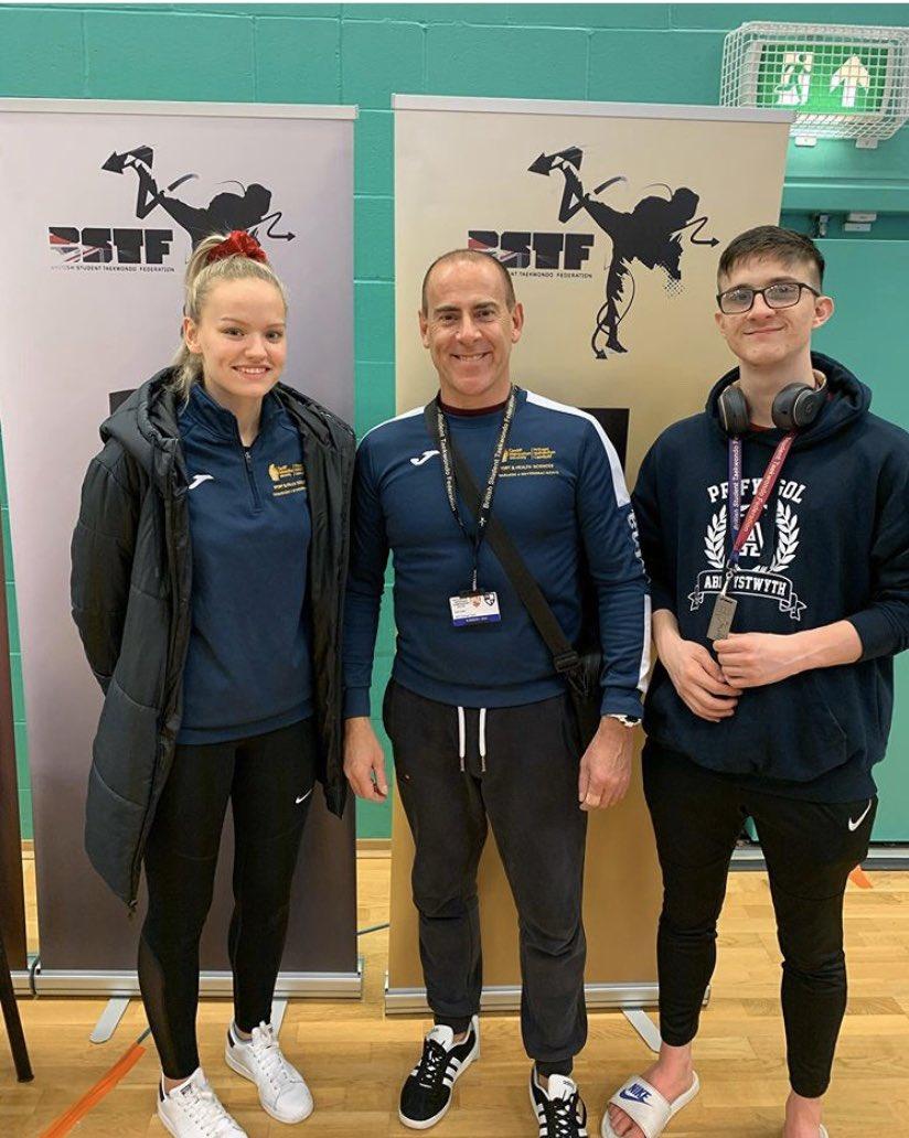 SILVER medals for Ruth May and James Kitson @BUCSsport Winter Championships.  Both coming through 5 fights each, with Ruth losing a tough final against Bulgarian National Team player after back-to-back semi's and finals, and James losing to last year's national champion pic.twitter.com/CpAYp9ahjZ