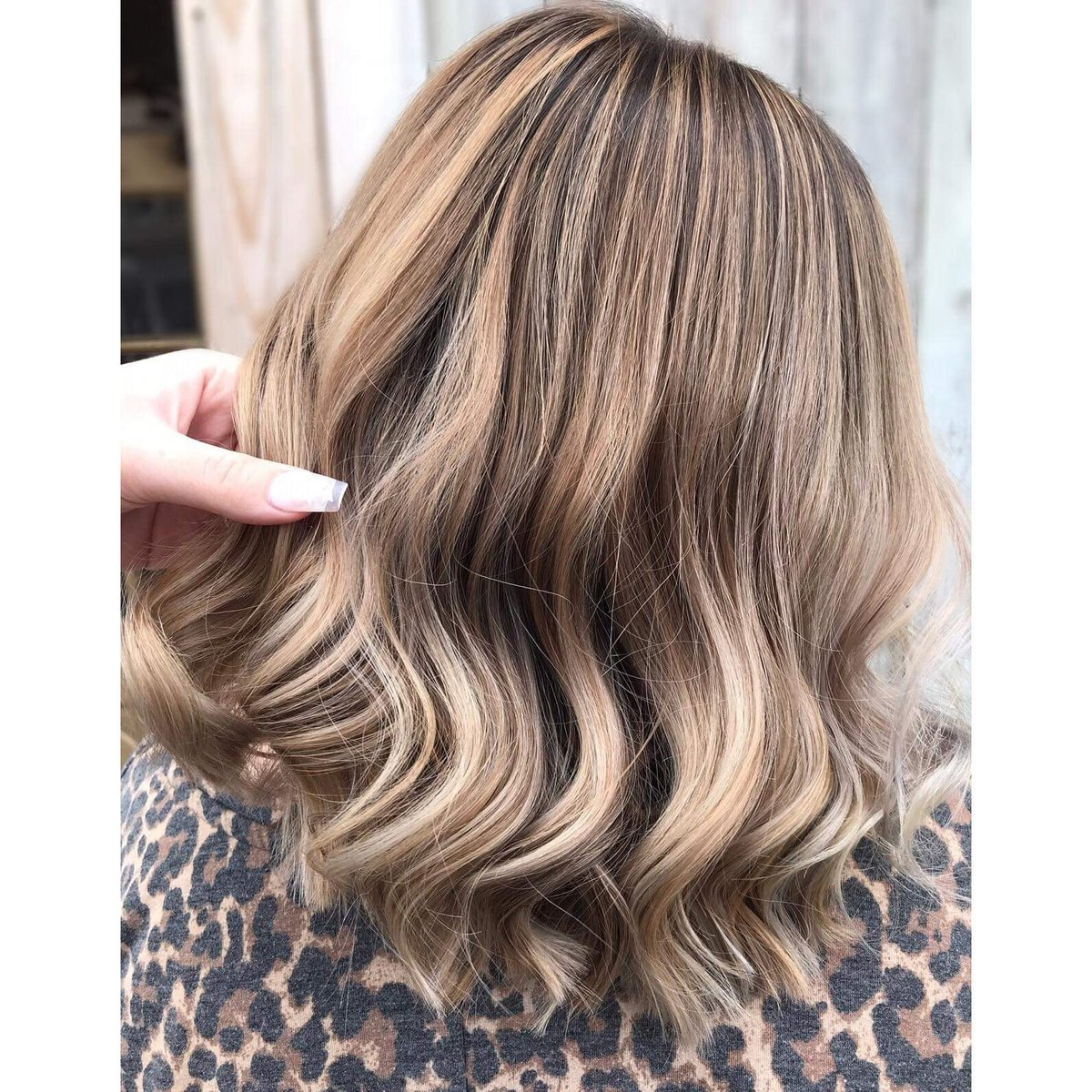 Butterscotch is my favorite Created by #zonastylistkatie #zona #zonahingham #aveda #avedacolor #southshore ##southshorehairsalon #modernsalon #bayalagepic.twitter.com/ZUtNzR0vP8
