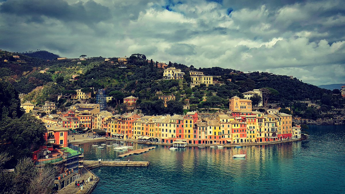 Lord Caernarvon divided his time between Highclere Castle, the Valley of the Kings and his house in Portofino.  Not a bad life.