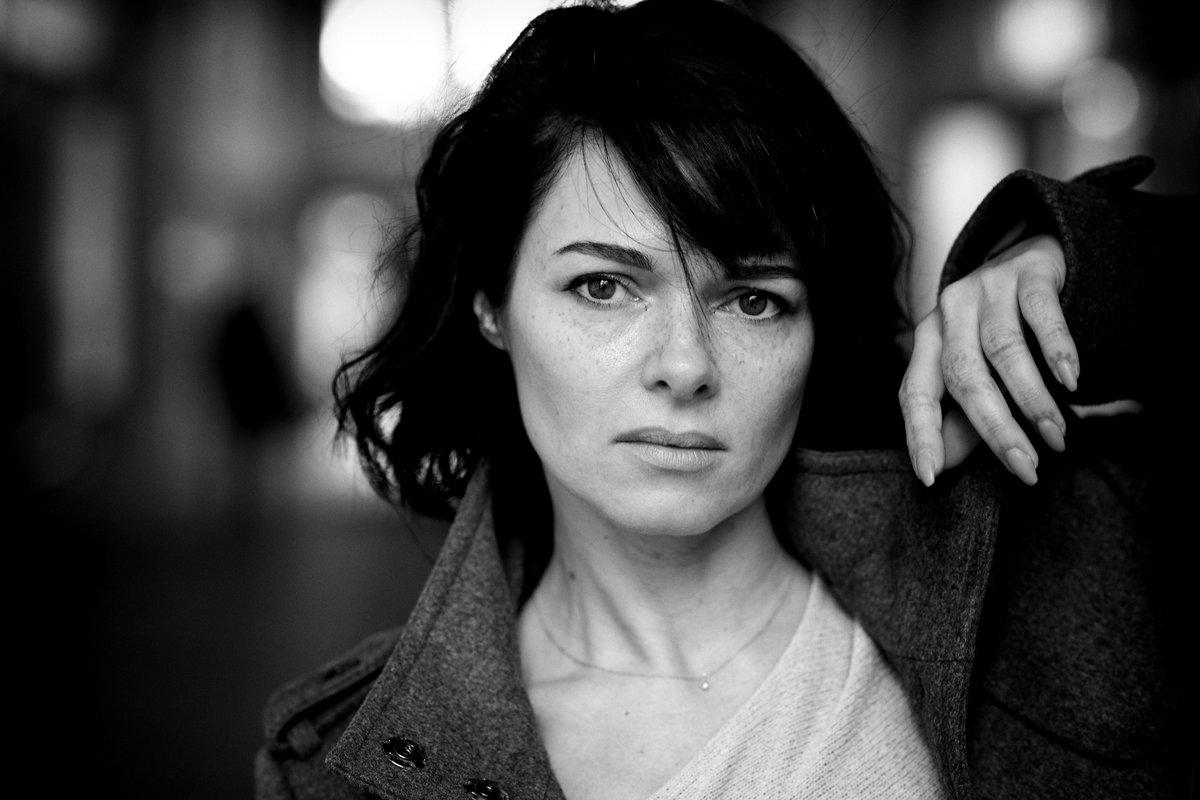 Mit #Tanja in der #Krügerpassage in #Dortmund  #model #indoor #portraitshooting Mehr unter http://www.99Augenblicke.Blogpic.twitter.com/IOPpiBbTfb