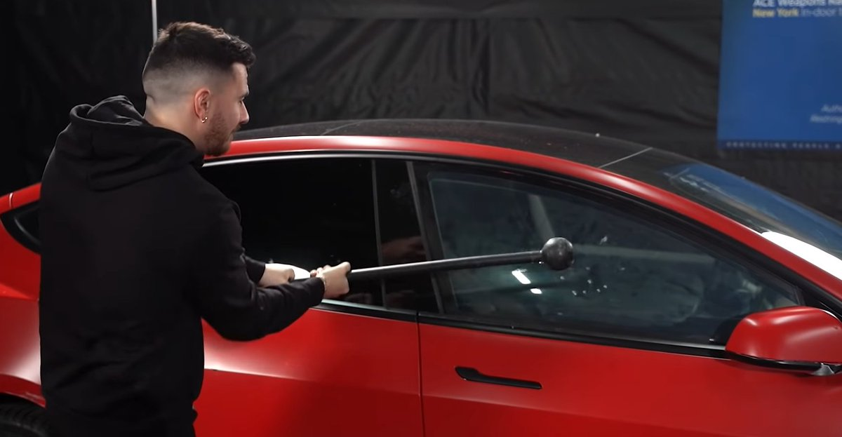 VIDEO: TESTED! What Can This #Tesla's #BulletproofGlass Actually Stop? A Rock? A #Glock https://autospies.com/news/VIDEO-TESTED-What-Can-This-Tesla-s-Bulletproof-Glass-Actually-Stop-A-Rock-A-Glock-101535/ … #model3 #ev #cartalk #bulletproof #gun #shotsfired pic.twitter.com/nwTbEYEPx9