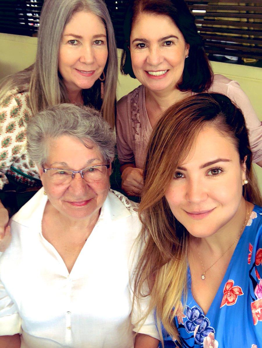 Replying to @natyvelos: Mis Matriarcas: sabias, amorosas, incondicionales.