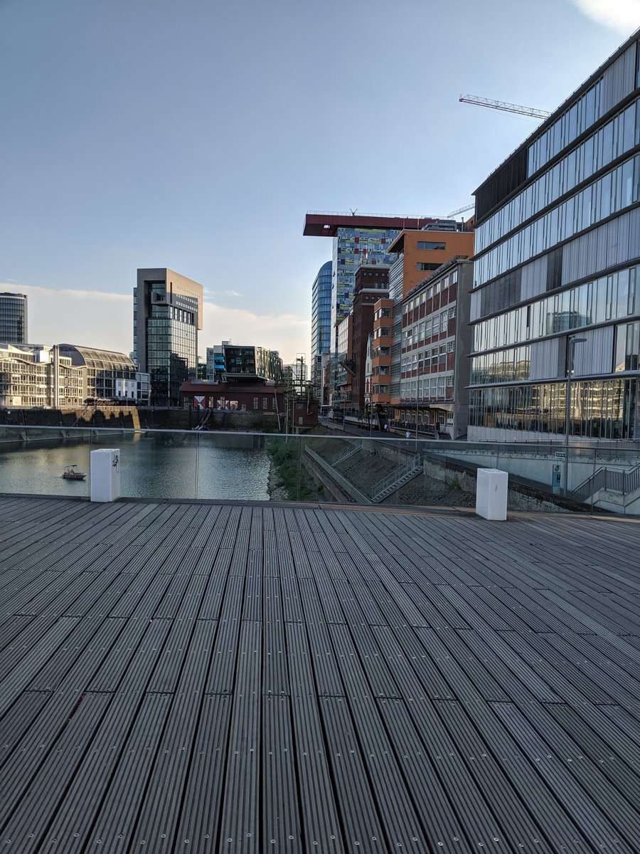 #medienhafen in #Dusseldorf in the last 6 years has gone through a complete regeneration. Apartment prices have risen 80% in 6 years.  Attractive , fashionable & nightlife.  #homejoylife #germany #newhomes #home #professionals #realestate #investingpic.twitter.com/ECRzetCmr1