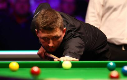 The evening session is about to get under way in the final of the Welsh Open.Shaun Murphy leads Kyren Wilson 7-1.Watch on @BBCTwo in Wales, on @BBCiPlayer, the Red Button or online here 👉http://bbc.in/2HrFSD7 #bbcsnooker