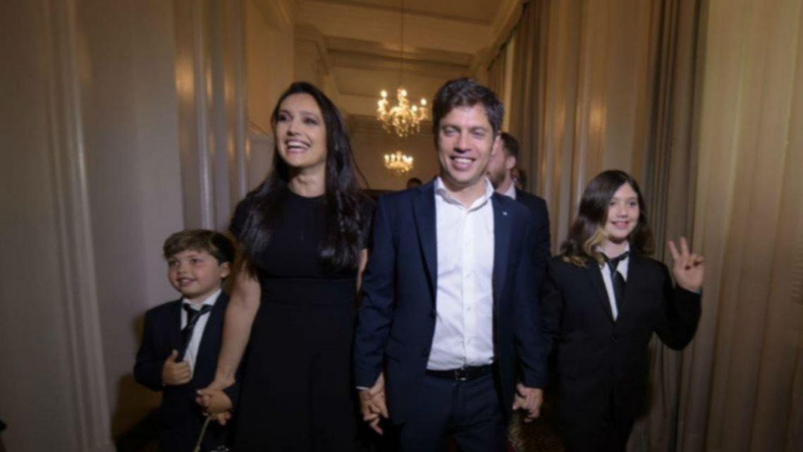 #BuenosAires2020 @Kicillofok vivirá en #LaPlata durante todo su mandato http://bit.ly/2OTjZAPpic.twitter.com/HMBlf5MPeK