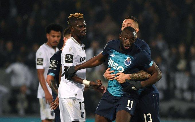 Marega, do Porto, abandona jogo em Portugal por ofensas racistas