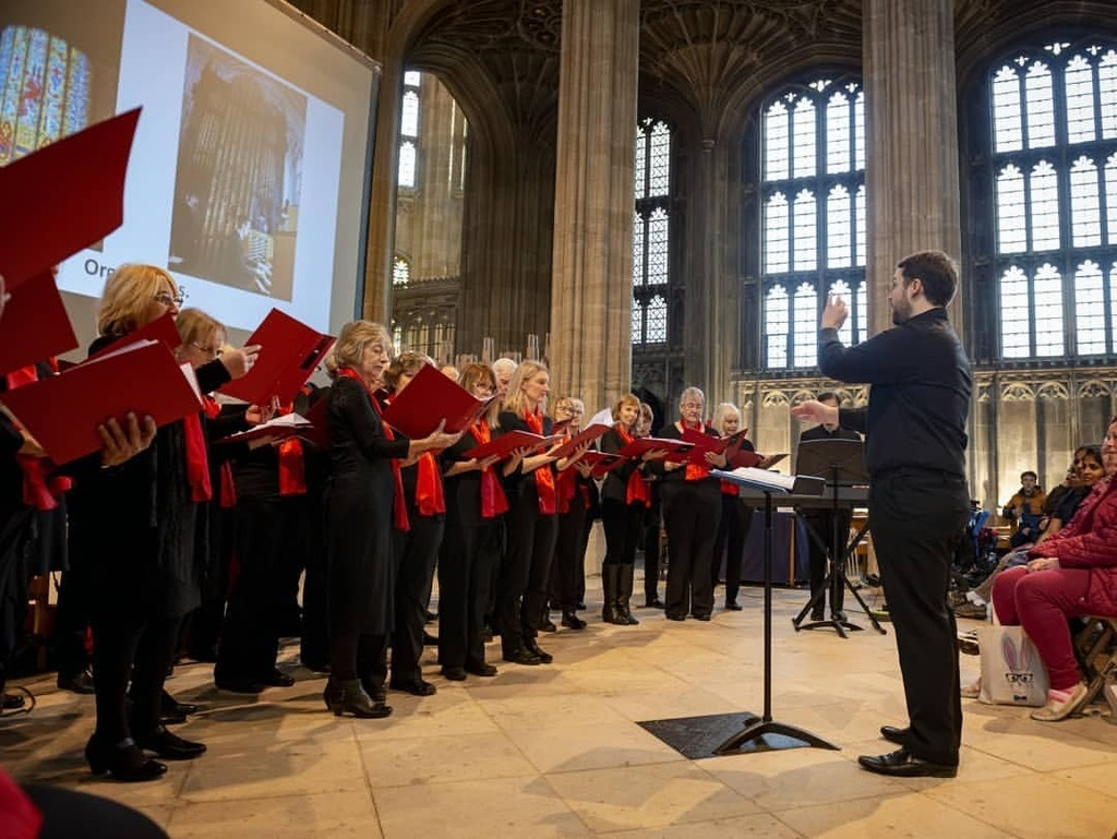 Delighted to share this image from Bracknell Choir's performance for Victorian Yuletide at #WindsorCastle  @RCT @royalcollectiontrust (at St George's Chapel, Windsor Castle)  https://ift.tt/2OZSqpl pic.twitter.com/EjI5YEEUMb