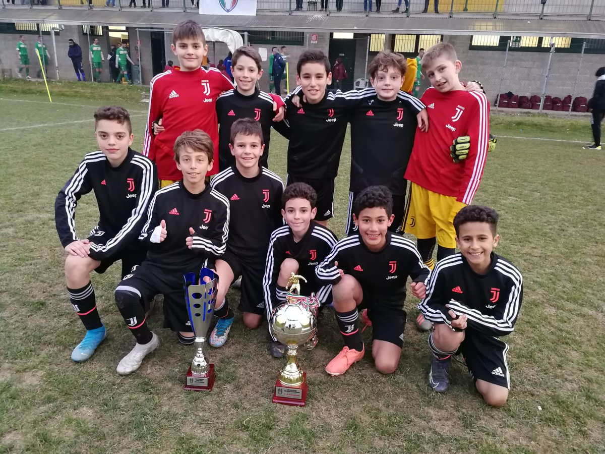 #Under11 al Torneo Pulcino bianconero 🥇  Bravi, ragazzi! 🏆📸  #JuventusYouth