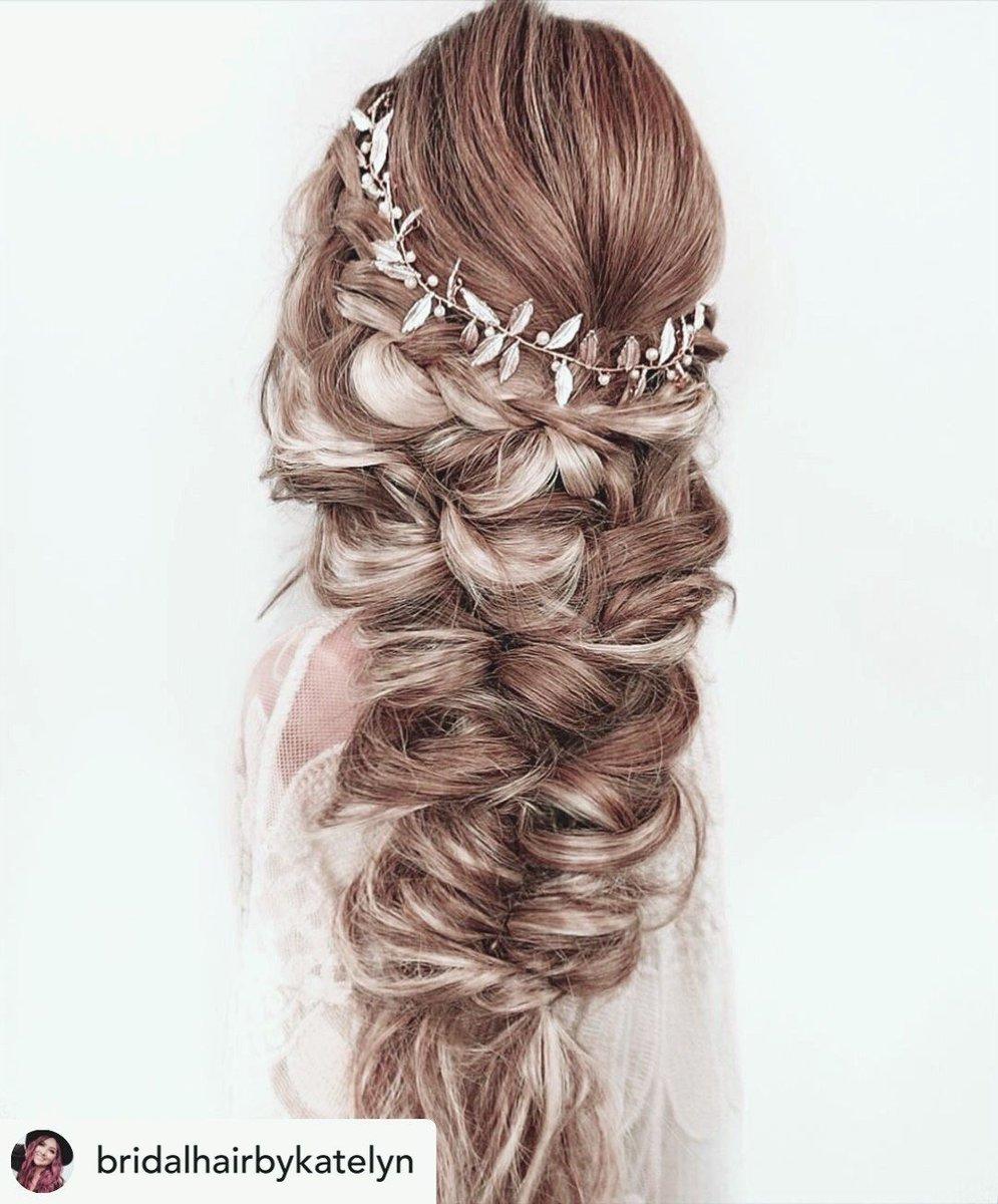This formal hairstyle is everything  | @bridalhairbykatelyn  #modernsalon #kenraprofessional #hairdousa #bride #412 #dress #fashion #sizeinclusive #plussize #plussizebride #makeup #lamarieeenblanc #burghbrides #pittsburgh #bodypositive #loveislove #love #hair #beautypic.twitter.com/NJ1XWvlIlj