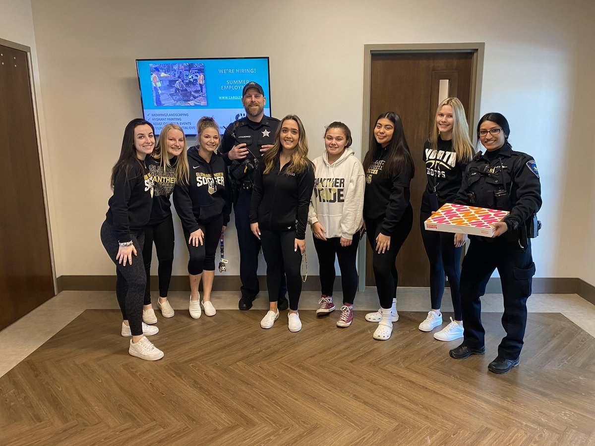 The soccer girls went by the @carol_stream  Police And Fire Departments today and dropped off some treats for the workers. @Carol_Stream_FD  #RAOKD