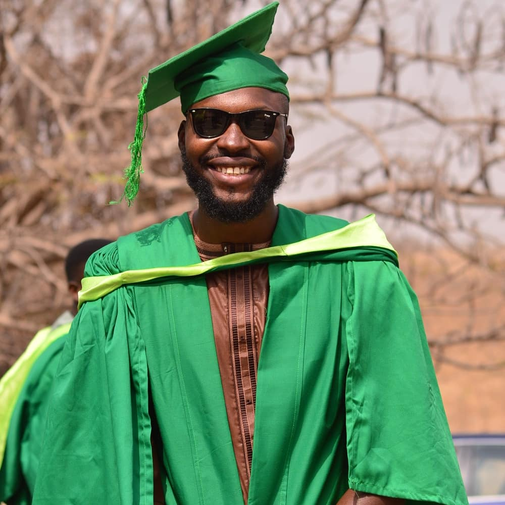 Believe in it until it becomes real to you...#myconvocation pic.twitter.com/wYEqGv6qhy – at University Of Abuja