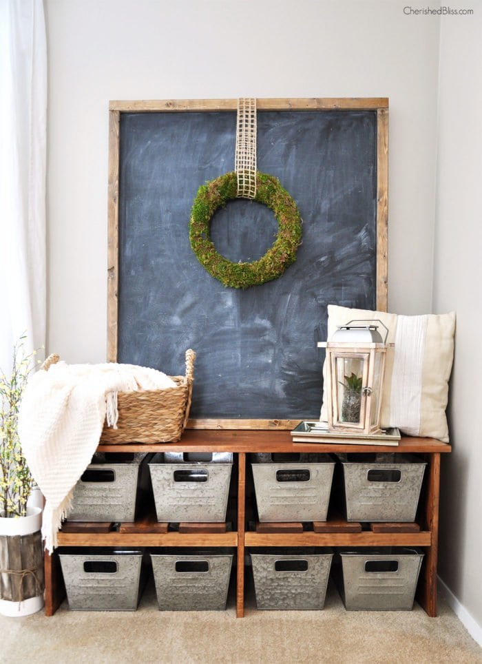 Make a statement with a large chalkboard and a #DIY farm bench in the entryway. #homeimprovement  http://cpix.me/a/91983738 pic.twitter.com/dpH92PAwom