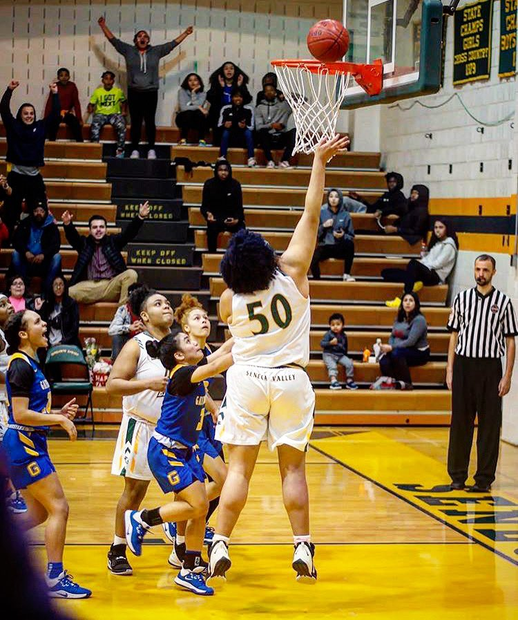 Junior Bryana Barber finished strong with 22 points last Friday night. None bigger than this layup with 5.7 secs remaining to propel the Screaming Eagles over Gaithersburg 55-53. Come join the #svgbb family!  McCeney #senecavalley #svhs #germantown #basketball #girlsbasketballpic.twitter.com/Upl2PoEvz4