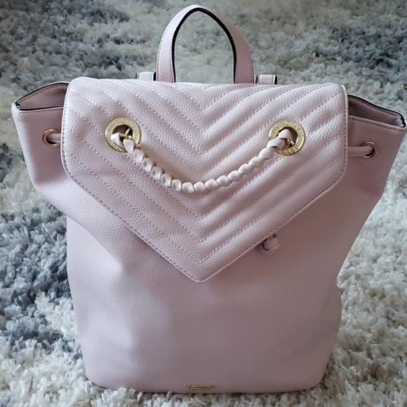 So good I had to share! Check out all the items I'm loving on @Poshmarkapp from @GlitzyGoGo #poshmark #fashion #style #shopmycloset #victoriassecret #wildfox #hudabeauty: https://posh.mk/8ymIwZWSh3
