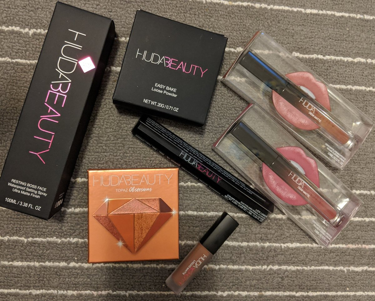 I got my @hudabeauty shipment today! I'm OBSESSED with this brand 😍 High quality products 👏 #HudaBeauty