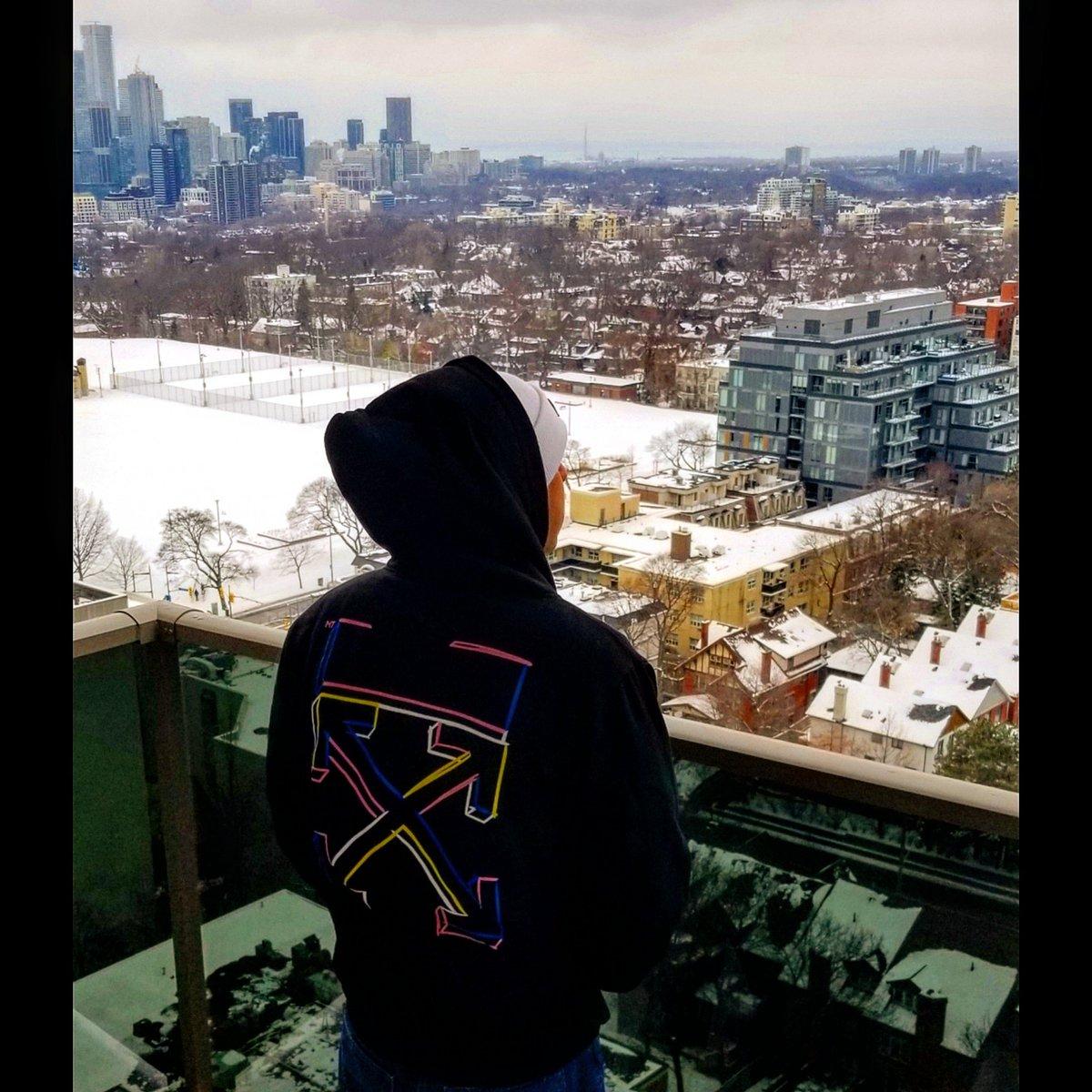 #kaipz #kaipzkillinbeats #kuyakaipz #itshiclassyo #pilauguavas #kingkaipz #edmdj #edmproducer #djproducer #musiccreators #fashionkilla #fashionmista #offwhite #virgilabloh #luxurystreetwear #streetluxury #the6ix #10thisland #viewsfromthe6 #fuckingcold #coldafpic.twitter.com/Su6r6xkMBQ