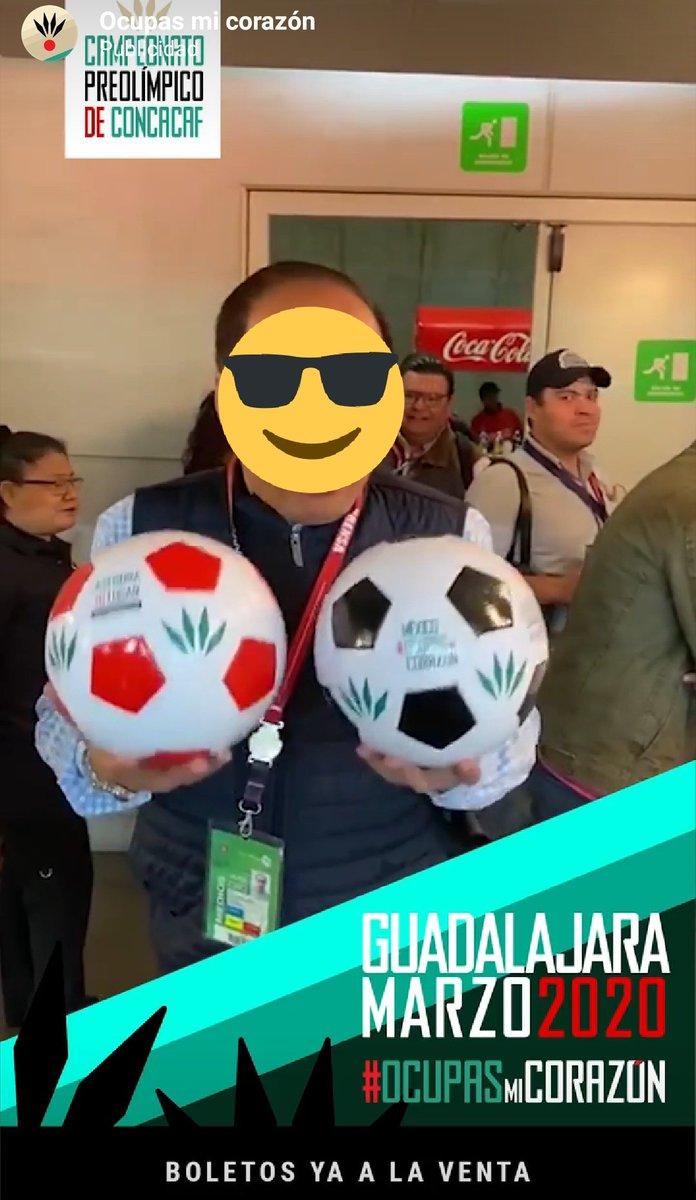 Cuando dicen que @lideresrebano está en todos lados es vdd , el buen @AntonioViv10 en la publicidad del preolímpico pic.twitter.com/mbkRgj2Y4y