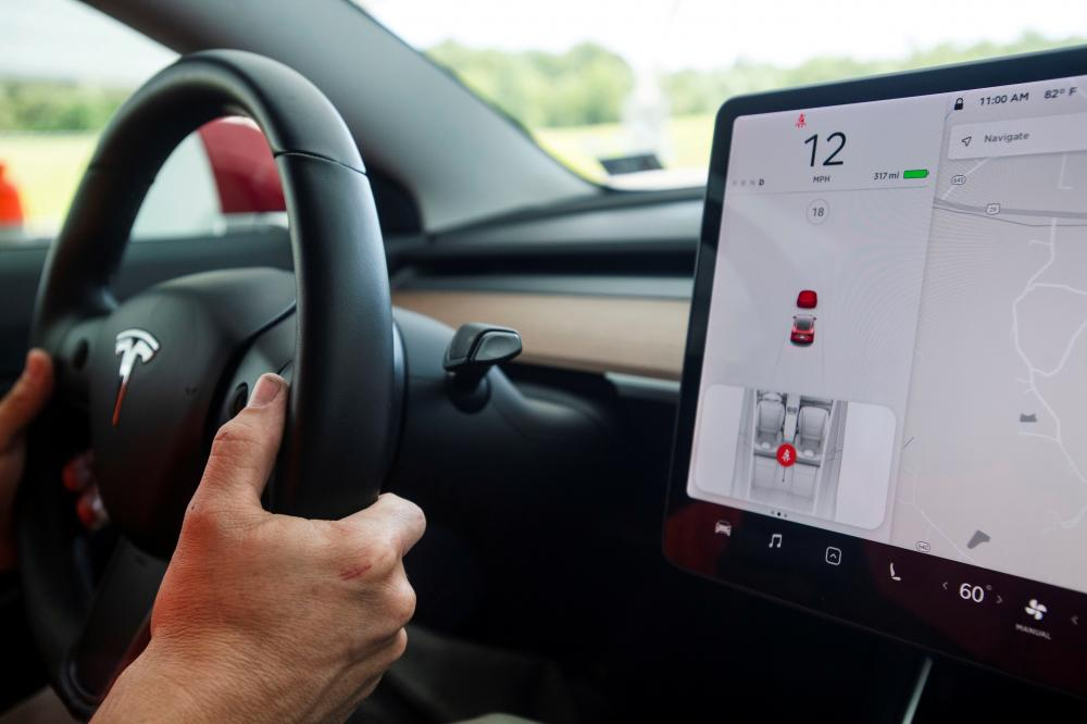 Driver in fatal 2018 Tesla crash reported prior 'Autopilot' issue  https://dearwallstreet.com/article/15e42d432e8dc3?src=tw …pic.twitter.com/ZU6lcOvEVy