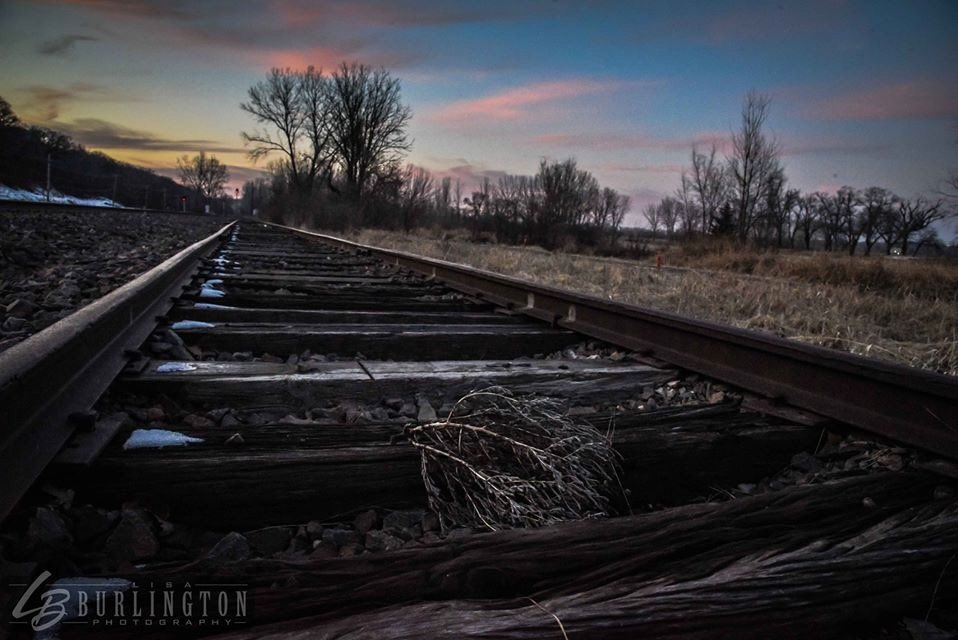 "2.15.20 - ""Tracks Of A Life Once Traveled"" #train #traintracks #nikonphotography #nikon #kansas #midwest #midwestphoto #midwestphotographer #midwestphotography #sunset @NikonUSA #outdoorphotography #tracks #railroad #railroadtrackspic.twitter.com/MpsL61CUUU"