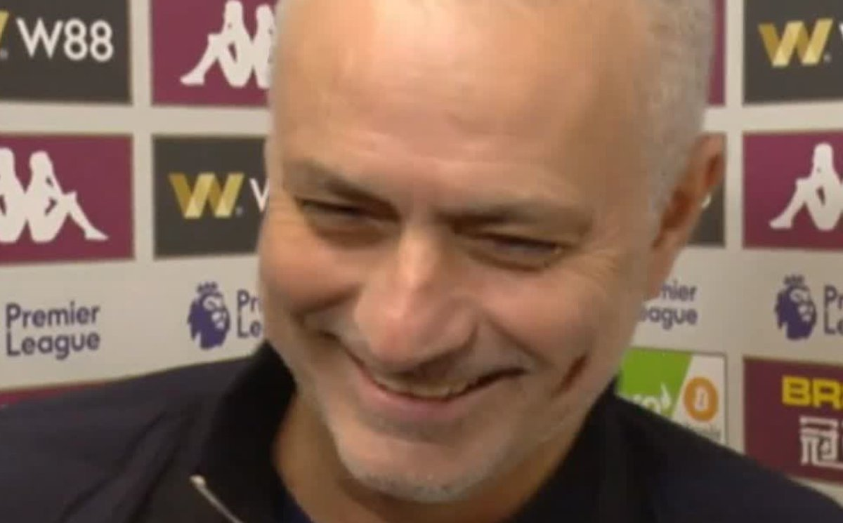 Manchester City Lagi Manyun, Mourinho Malah Bercanda http://dlvr.it/RQ9KSV #LigaInggris #JoseMourinho #ManchesterCity #PepGuardiola