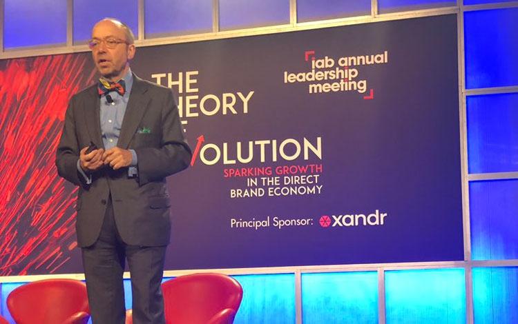 IAB (@iab) advierte que la publicidad digital está en un punto de inflexión que no puede ser ignorado http://ow.ly/rVUE50ymKI9pic.twitter.com/TpVCOQ2LIl