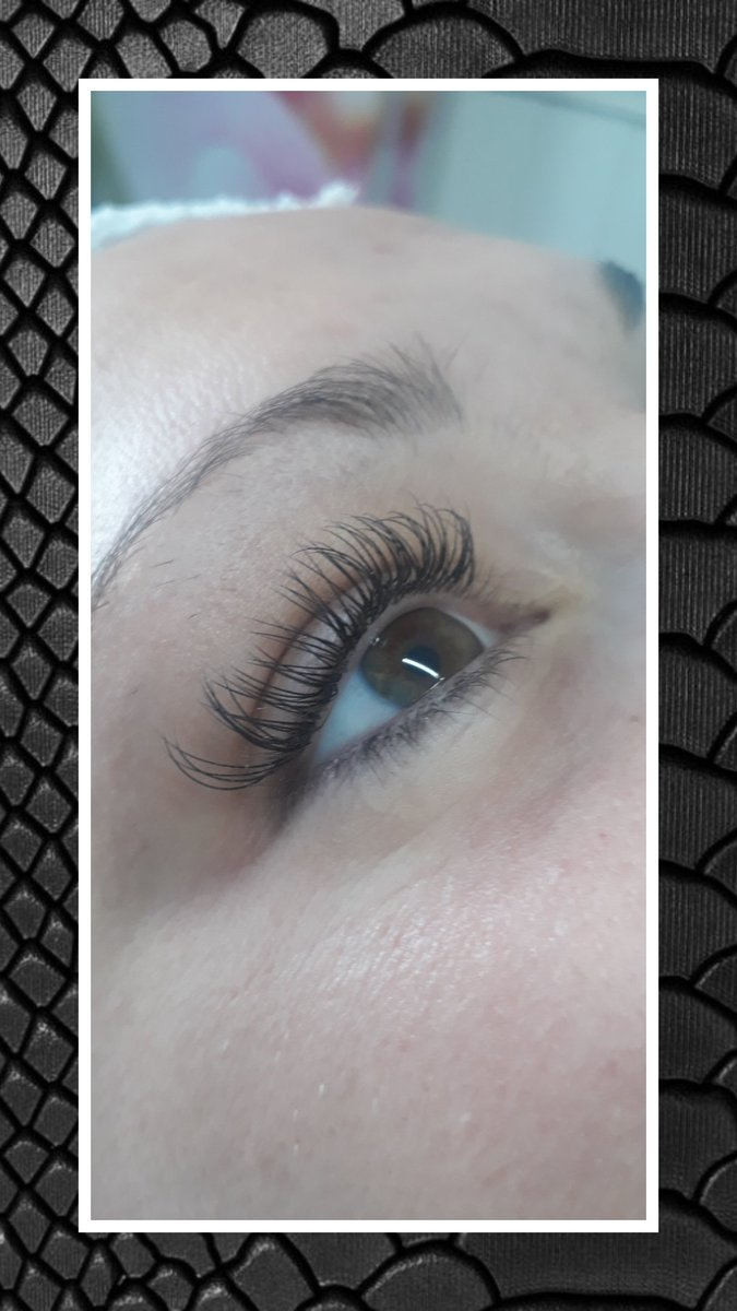 Lashes for days   Simply LV Beauty & Skincare   *Patch Test may be required *Booking Fee is required to secure an appointment  *Full T&C's found on our website  http://www.simlplylv.wordpress.com  #Lashes #ClassicLashes #HybridLashExtentions #BeautySalon #BeautyTherapist #MiltonKeynespic.twitter.com/lTidGNDeQc