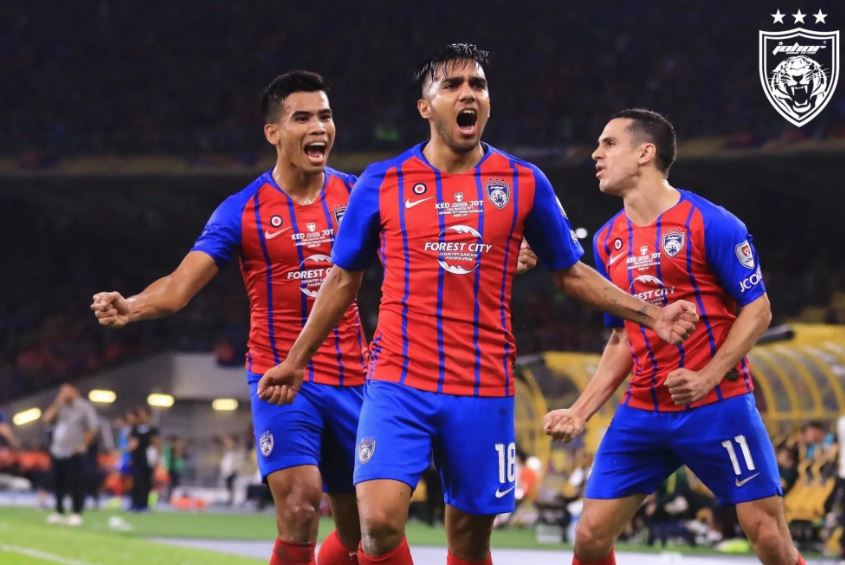 The #JohorDarulTazim Supremacy is an All-Star #Footballers #football #news #footballnews  you cannot blame JDT for the form they have now and I think there is no reason that a team's resources will go all out to gather the best players that are available. http://bit.ly/SoccerNews50pic.twitter.com/DOwTQnZAGo