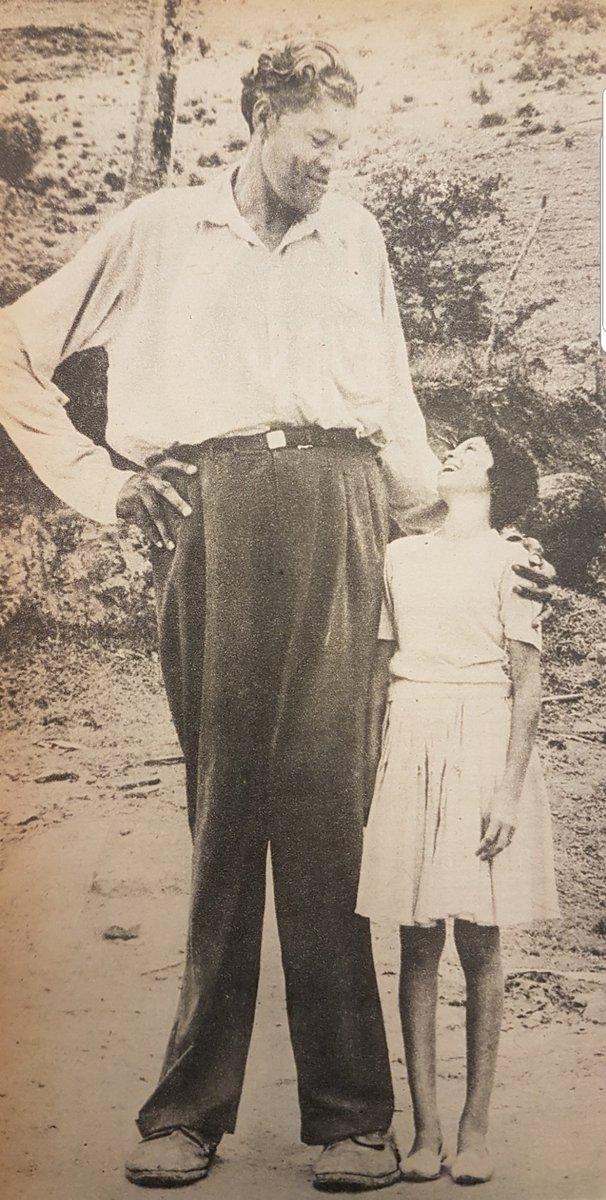 Foto de Felipe Birriel (1916-1994) El Gigante de Carolina. Década de 1950.