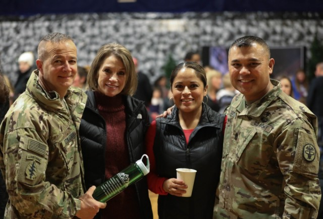 Under the National Defense Authorization Act 2020, civilian spouses can now receive up to $1,000 in reimbursements for relicensing costs during permanent change-of-station relocations.   Learn more at https://go.usa.gov/xd5mH   by Sgt. Inez Hammon  #ArmyLife pic.twitter.com/t1g2sMq3ro